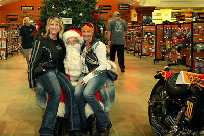 2013 Santa visits J&P Cycles Florida Superstore (9)