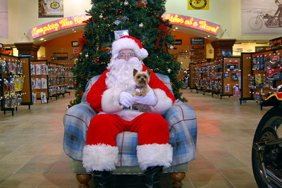 2013 Santa visits J&P Cycles Florida Superstore (3)
