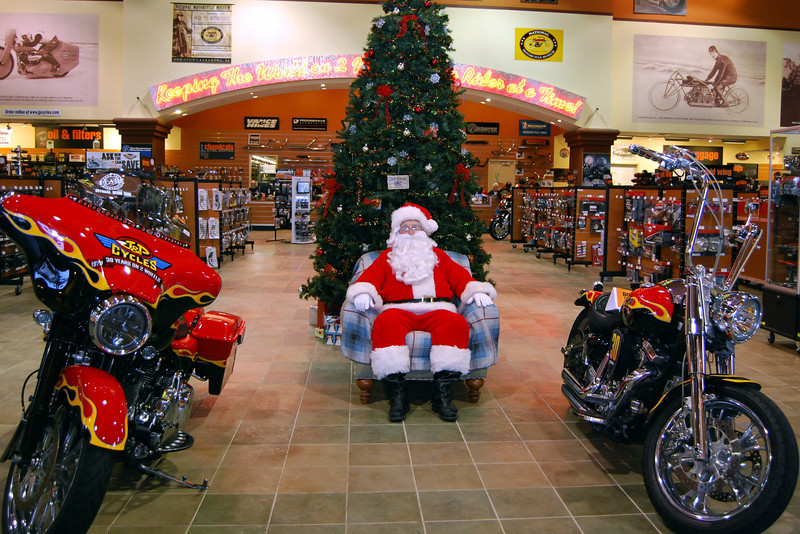 2013 Santa visits J&P Cycles Florida Superstore (1)