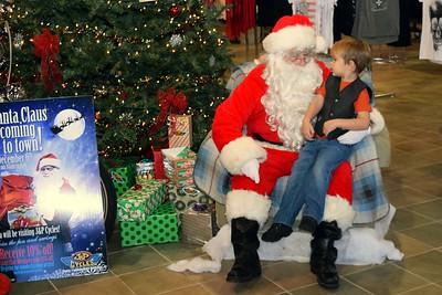 2014 Santa Visits J&P Cycles Florida Superstore (2)