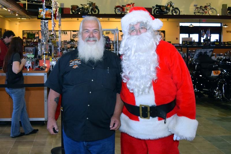2014 Santa Visits J&P Cycles Florida Superstore (4)