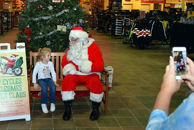 2016 Santa Visits J&P Cycles (5)