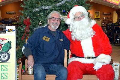 2016 Santa Visits J&P Cycles (33)