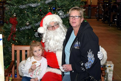 2016 Santa Visits J&P Cycles (9)