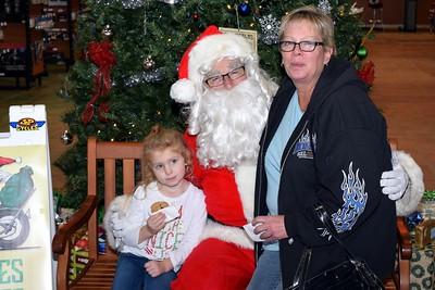 2016 Santa Visits J&P Cycles (8)