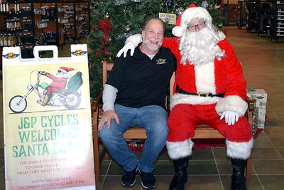 2016 Santa Visits J&P Cycles (14)