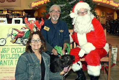 2016 Santa Visits J&P Cycles (40)