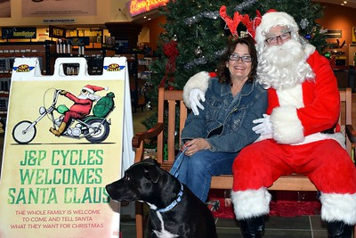 2016 Santa Visits J&P Cycles (45)