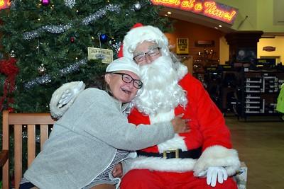 2016 Santa Visits J&P Cycles (38)