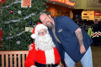 2016 Santa Visits J&P Cycles (37)