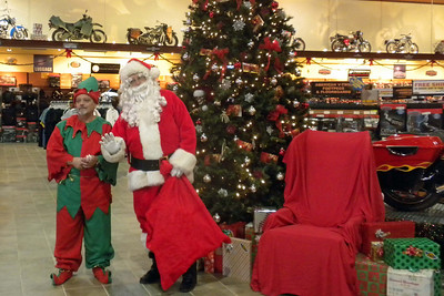 899 Christmas at J&P Cycles Destination Daytona Superstore