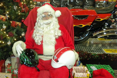 938 Christmas at J&P Cycles Destination Daytona Superstore