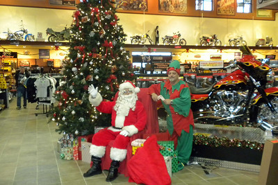 900 Christmas at J&P Cycles Destination Daytona Superstore