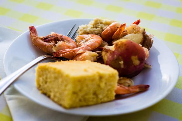 Boiled shrimp and cornbread