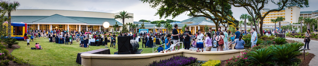 JSConf 2014 closing dinner panorama