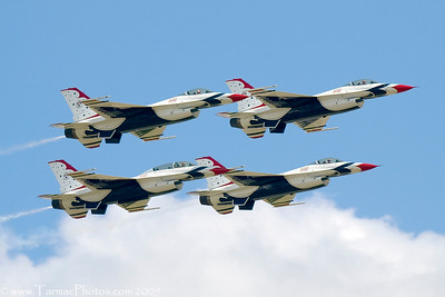 UnitedStatesAirForceThunderbirds_40