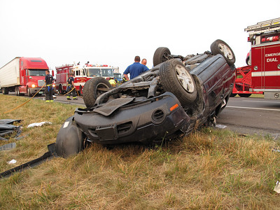BUTLER TOWNSHIP INTERSTATE 81 MILE MARKER 118 SOUTH VEHICLE ACCIDENT