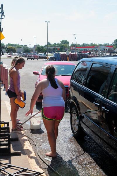 WHS Cheerleaders Car Wash & Bake Sale  062516