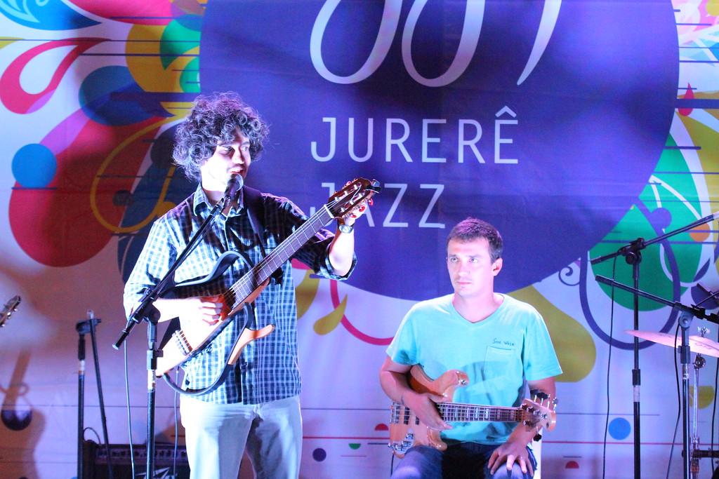 22 04 2012 - QUARTETO RIO VERMELHO - JURERE OPEN SHOPPING  (2)