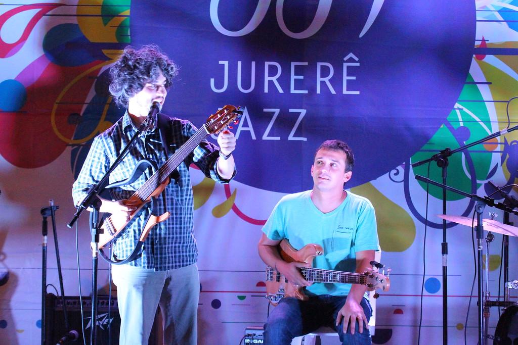 22 04 2012 - QUARTETO RIO VERMELHO - JURERE OPEN SHOPPING  (1)
