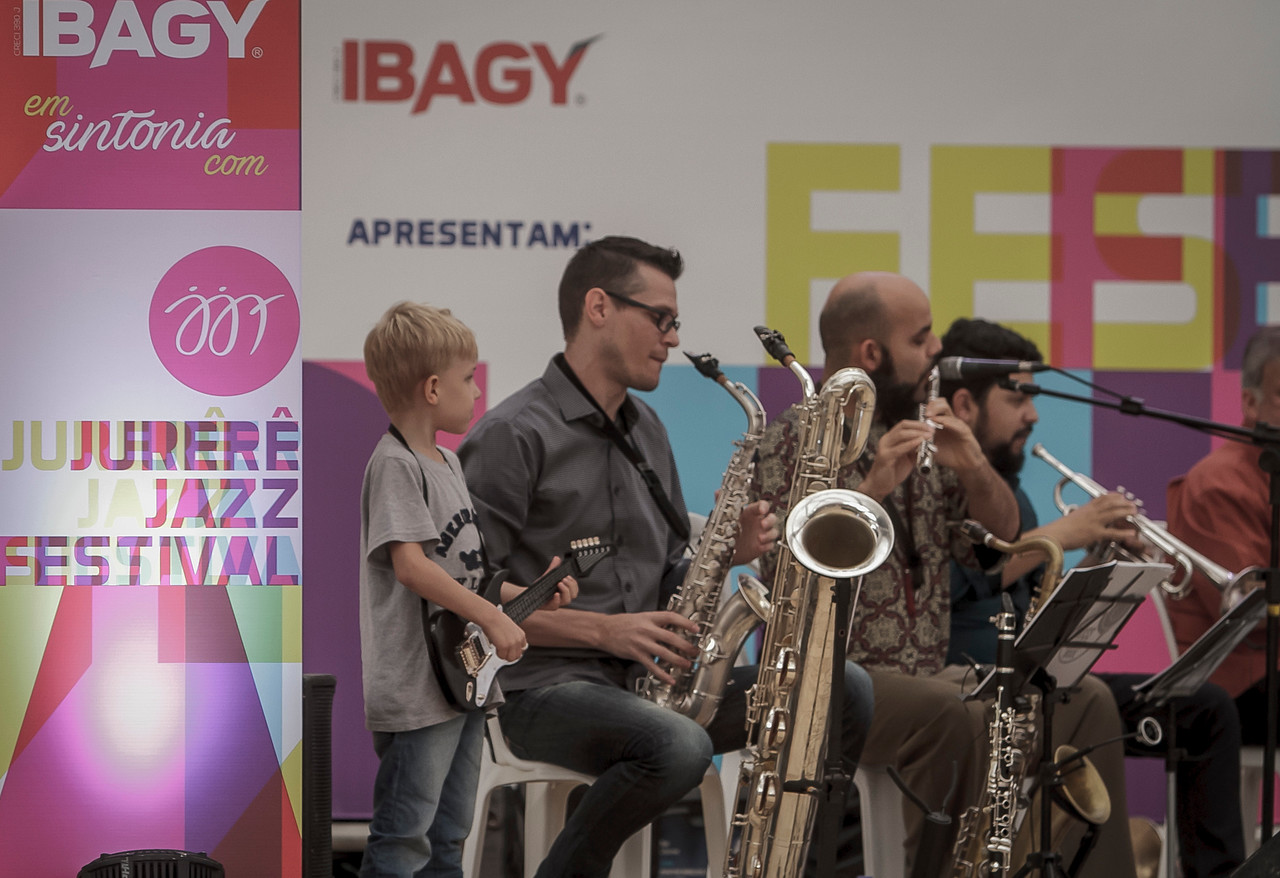01_05_2017_JURERE_JAZZ_2017_BRASS GROOVE BRASIL_OPEN SHOPPING_ROPE8304_FOTO_Bruno Ropelato