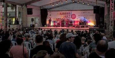 23_04_2017_JURERE_JAZZ_2017_LEANDRO FORTES TRIO_OPEN SHOPPING_ROPE3057_FOTO_Bruno Ropelato