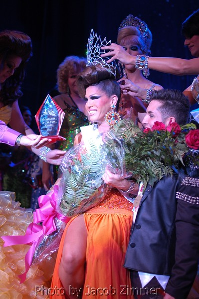 Aurora Sexton is crowned 2011 Entertainer of the The Year.