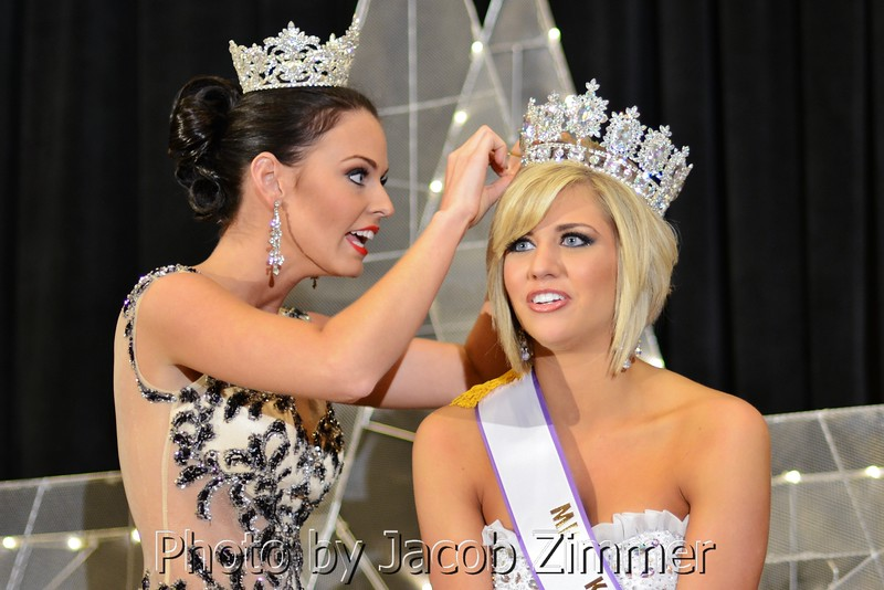 2012 Miss KY County Fair Ashley Renee Young crowns the 2013 Miss KY County Fair winner Jenna Brooke Walters from Hardin County.