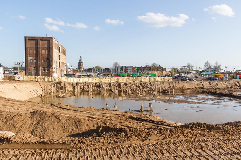 Water, zand en beton