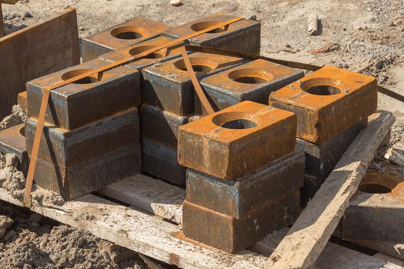 Ringen voor het vastzetten van de damwanden
