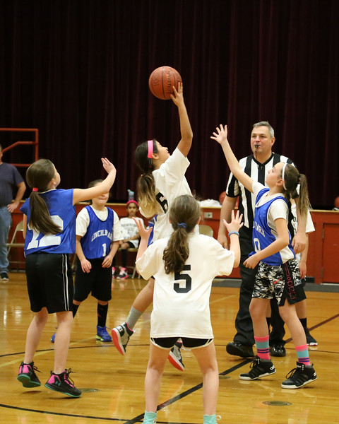 12-17-17 4th Grade Girls Lightning Game