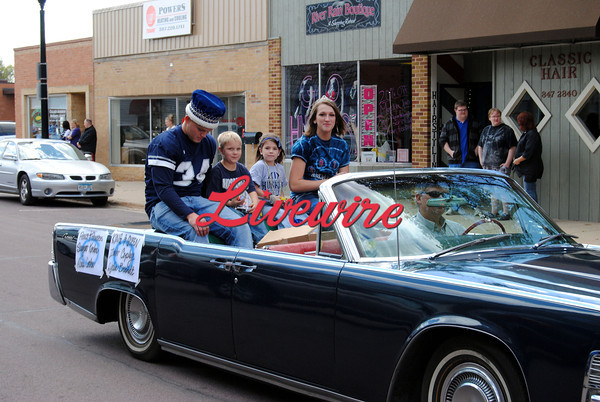 Homecoming Parade-RB 048