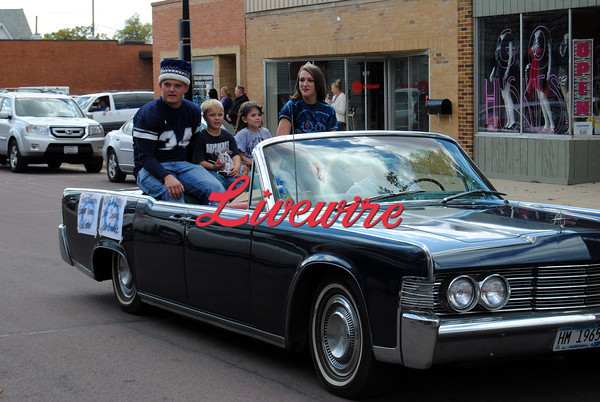 Homecoming Parade-RB 044