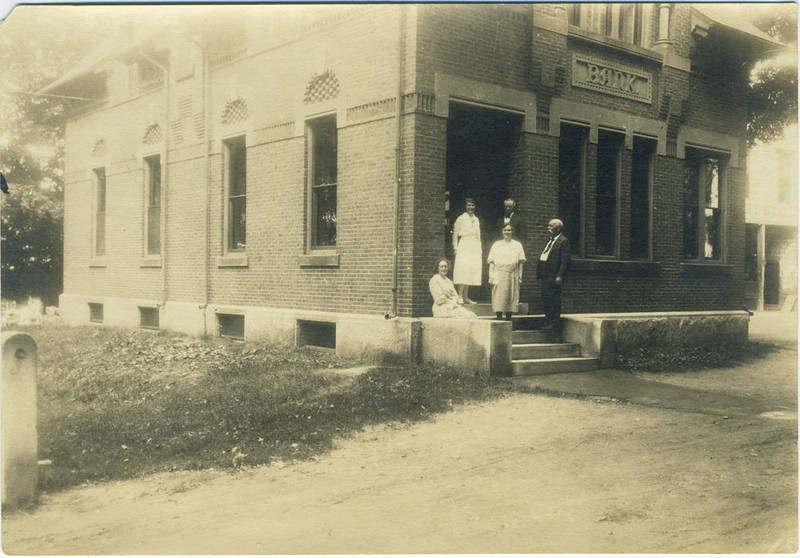 "Monadnock Bank. On verso: ""Rich, Townsend?, Alice, Dorothy Cann, Miss Henchman. 1921"""