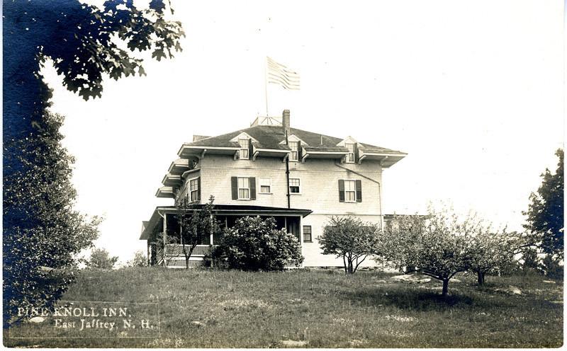 Pine Knoll Inn