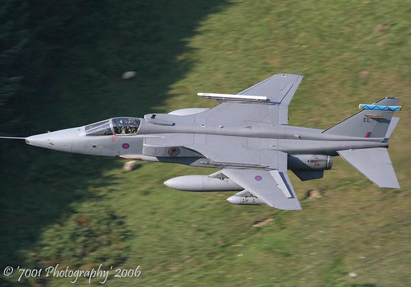 XX729/'EL' (6 SQN marks) Jaguar GR.3A - 21st September 2006.