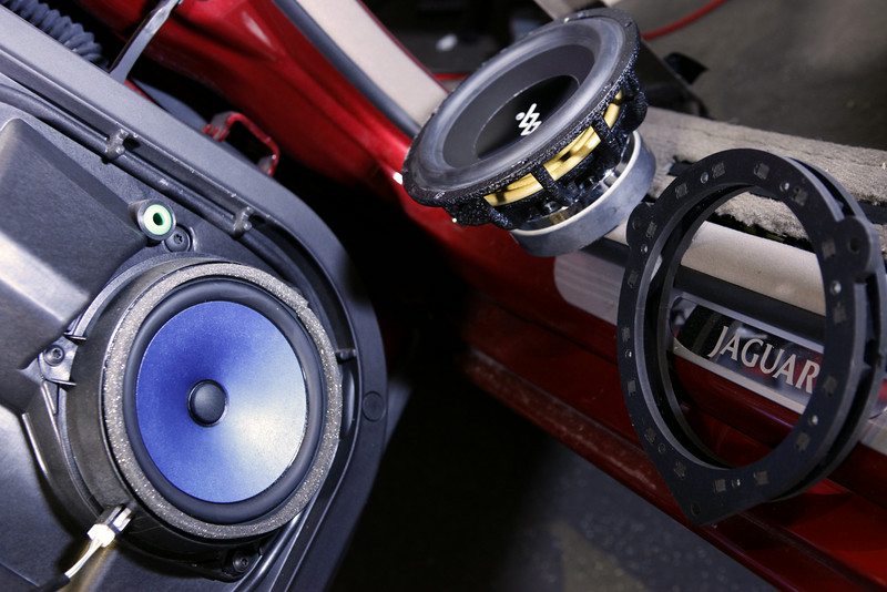 "Left: Factory speaker <br> Top: Aftermarket speaker <br> Right: Speaker adapter   from  <a href=""http://www.car-speaker-adapters.com/items.php?id=SAK043""> Car-Speaker-Adapters.com</a>"