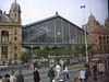Der vom französischen Architekten-Büro Eiffel entworfene Nyugati-Bahnhof