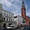Berühmter als Bildhauer Kopf wurde die Bildhauerdynastie der Schwanthaler die unweit der Stadtpfarrkirche , die sie ausschmückten, ihren Familiensitz hatten.