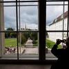 Ein Blick vom Zeremoniensaal auf Burggarten und Rathaus