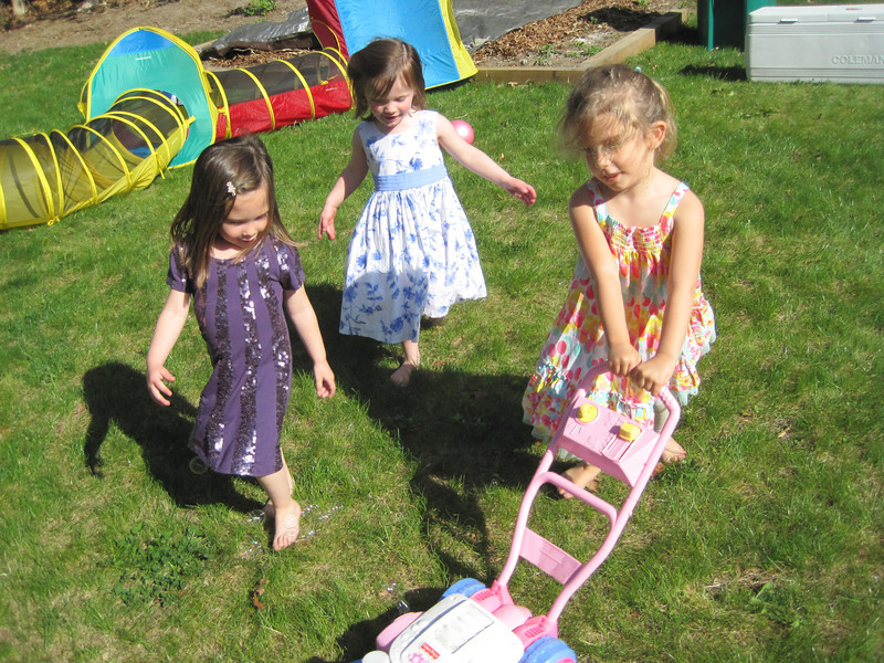 Kylie (age 3 1/2), Lucey Jean (4), and Rose Alonzo (4)<br /> April 21, 2012 - Charlotte's 2nd Birthday