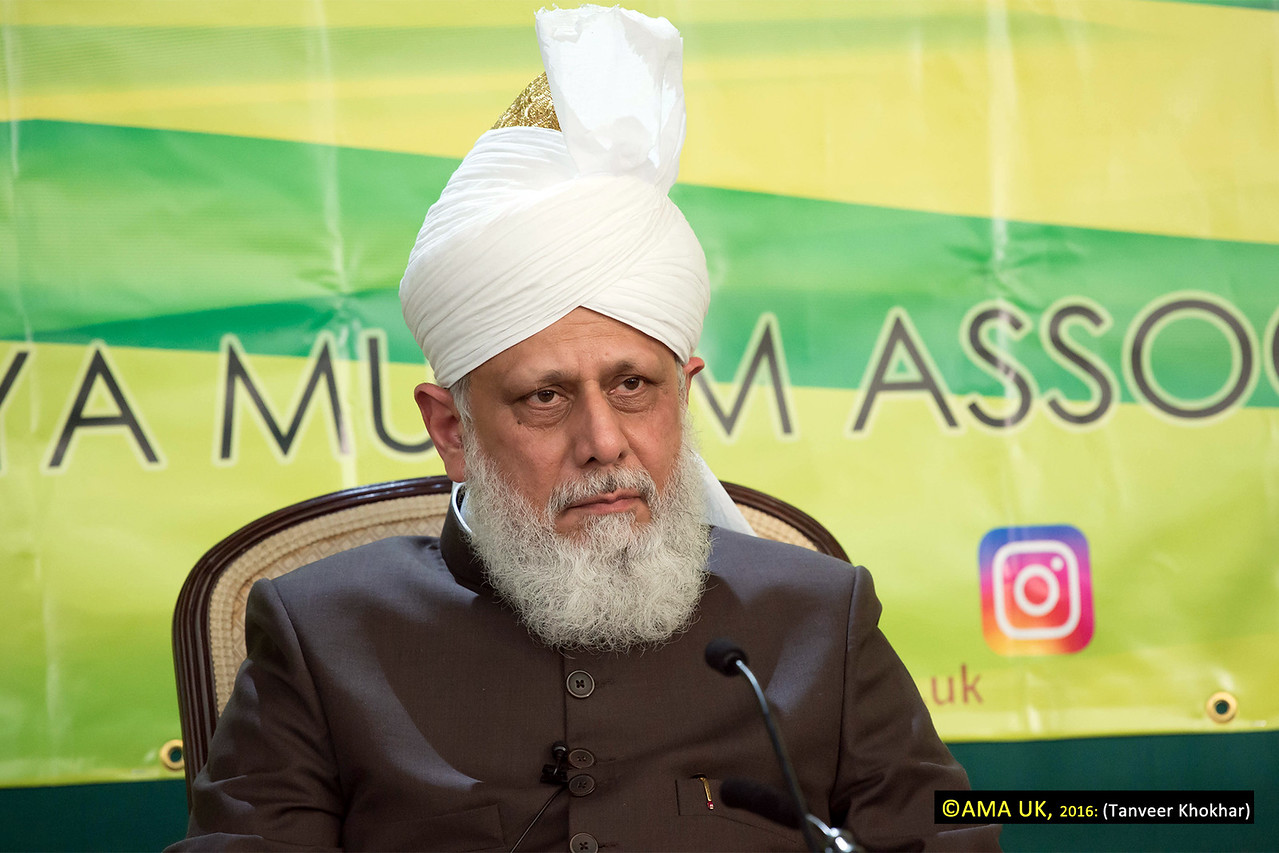 The World Head of the Ahmadiyya Muslim Community, the Fifth Khalifa, His Holiness, Hazrat Mirza Masroor Ahmad conducted an inspection for the arrangements of the 50th Annual Convention (Jalsa Salana) of the Ahmadiyya Muslim Community in the United Kingdom on Sunday 7 August 2016. The 3-day Jalsa Salana, which takes place at Hadeeqatul Mahdi in Hampshire, begins on Friday 12 August 2016