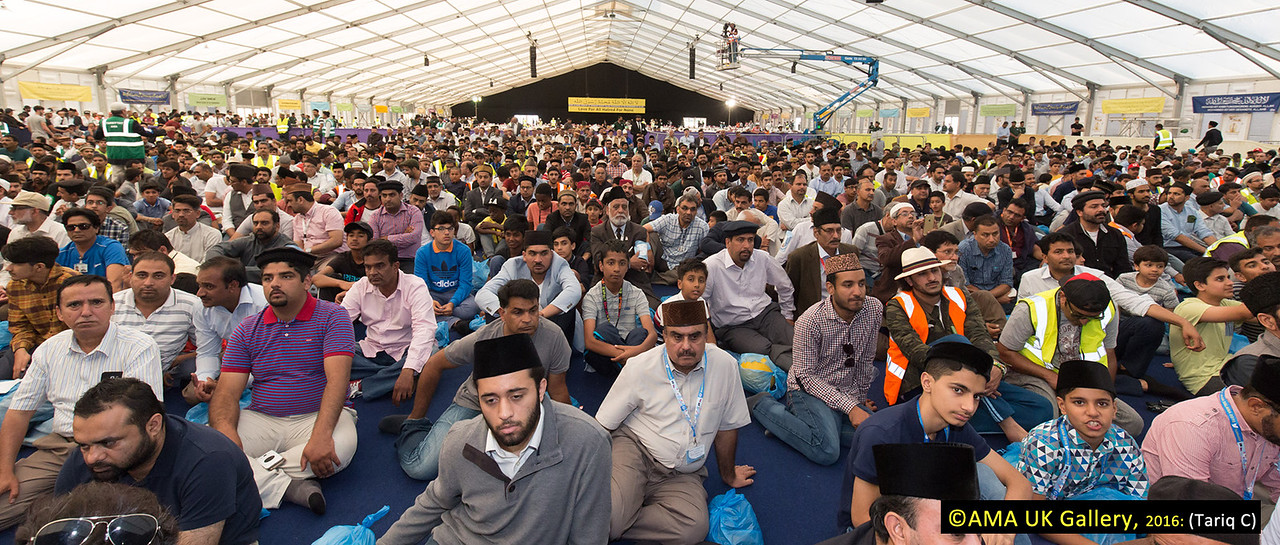 The audience listened attentively to the words of the Khalifa