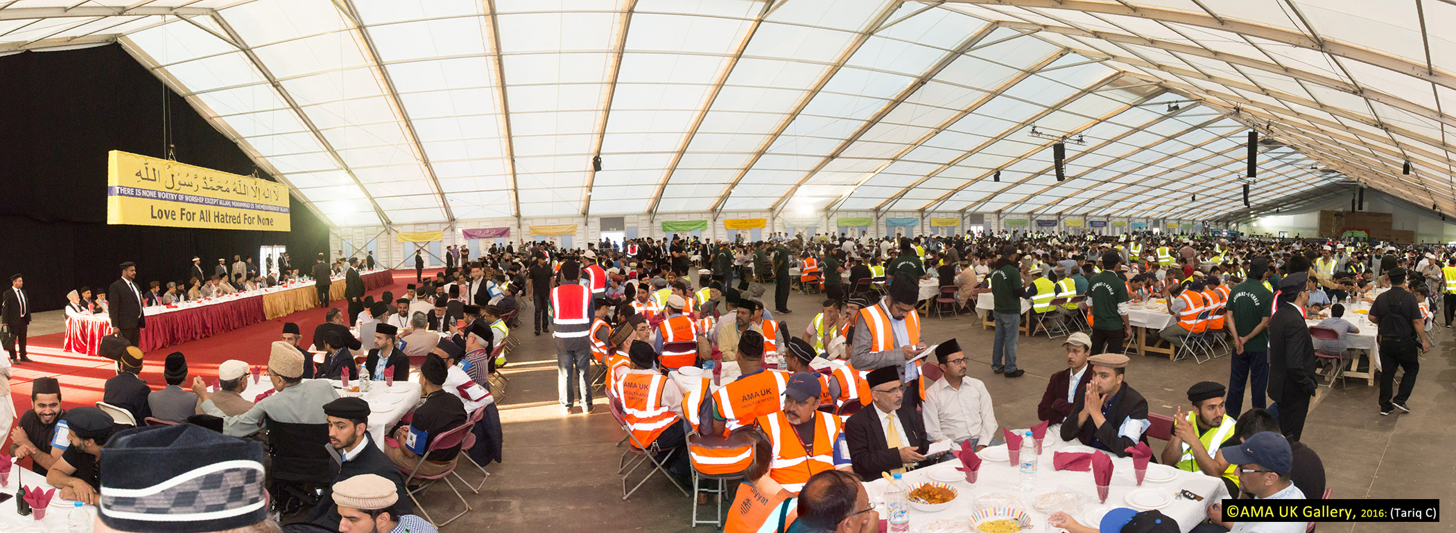 All the workers and those who attended were able to sit and enjoy their meal in the company of His Holiness.