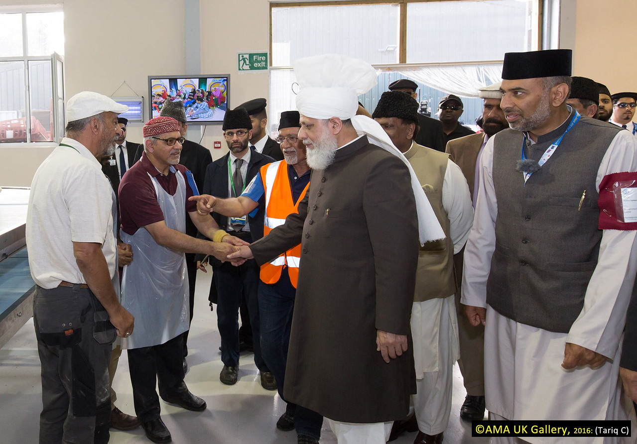 During the inspection, Hazrat Mirza Masroor Ahmad visited the various departments tasked with organising and running the three-day event. His Holiness was briefed on the arrangements as he inspected the site.