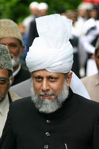Hazrat Khalifatul Masih V (aba) arriving at Jalsa Gah