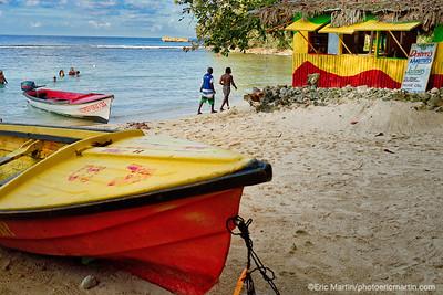 JAMAIQUE.  LA PLAGE DE WINNIFRED BEACH.