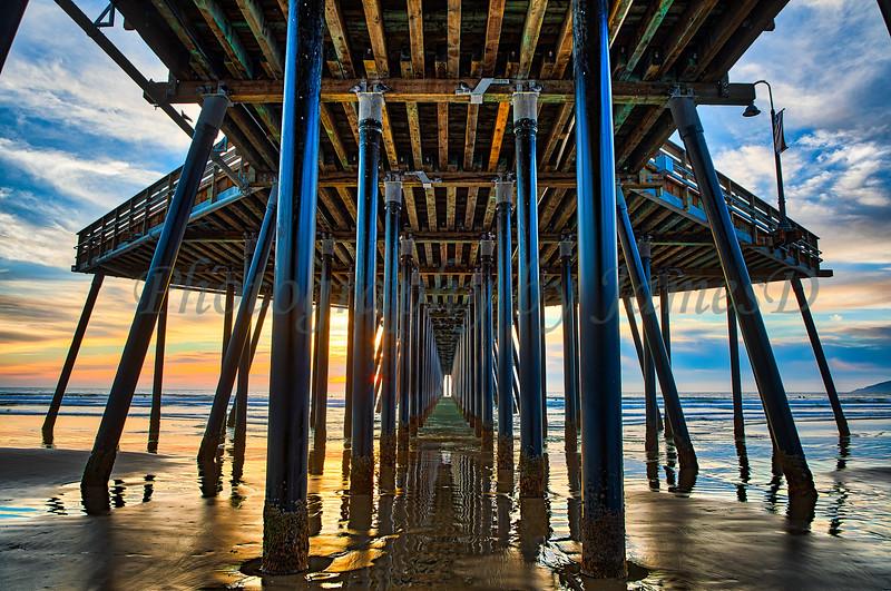 Under the Pismo Pier Sunset (20181126-47)