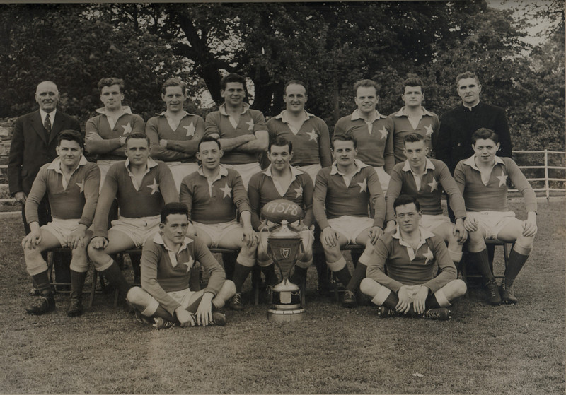 St. Mary s College R.F.C.<br /> <br /> Trophy: Leinster Senior Cup<br /> <br /> President: Frank Doherty<br /> <br /> Captain: Joe Fanagan<br /> <br /> Players: Back Row: J. Lee, M. Hoctor, N. Corrigan, A. Cusack, H. Kerrigan, K. Wall<br /> Middle Row: R. Whitty, J. Bagnall, E. Carmody, J.P. Fanagan, V. McGovern, S. Cooke, P. Dowling<br /> Front Row: B. Hussey, D. Hussey