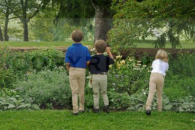 abelsmith grandchildren in garden